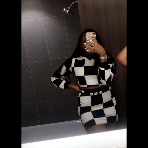 Other - 2 piece checkerboard outfit